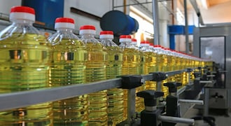 India cuts import taxes on vegetable oils to calm prices