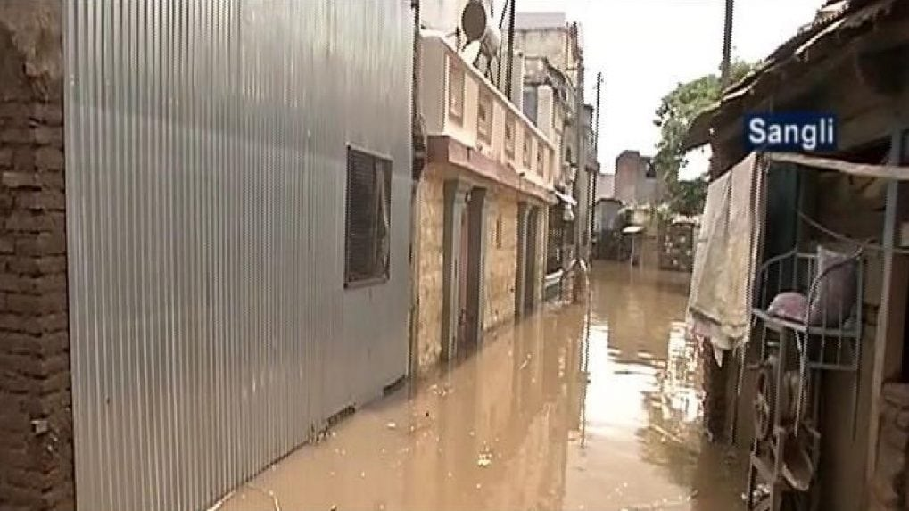 Maharashtra floods: Death toll rises to 251 and 100 still missing