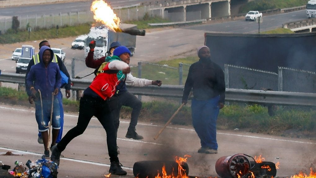 Violence in South Africa: Death toll mounts to 45; agencies probing if Zuma allies are behind riots