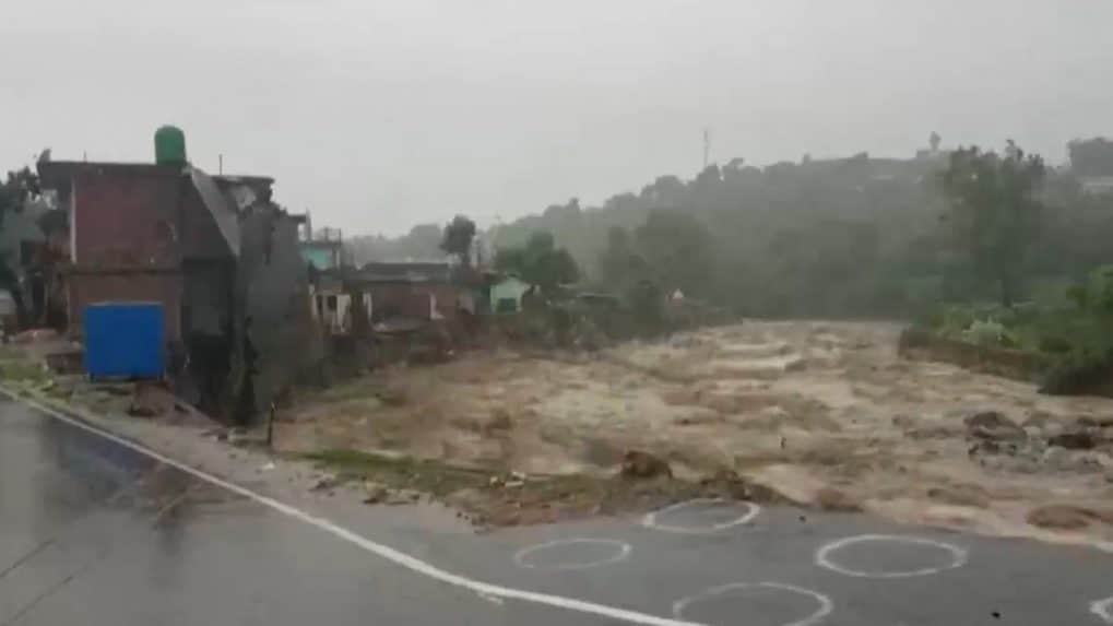 Himachal Pradesh: Heavy rainfall triggers flash floods in Dharamshala, no casualty reported
