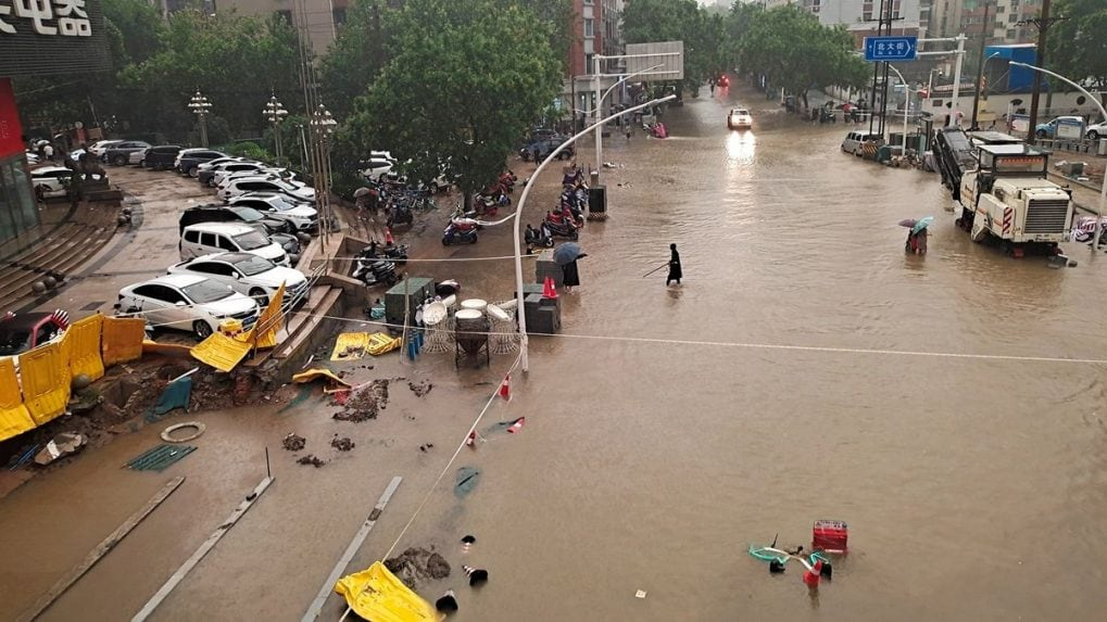 25 killed, over 1 million affected as unprecedented floods hit central China; President Xi calls in PLA