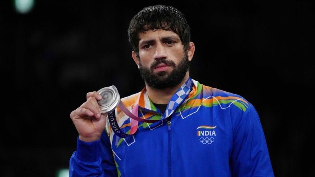 Ravi Dahiya wins silver in 53 kg freestyle wrestling finals for India at Tokyo Olympics 2020; ROC's Zavur Uguev bags gold