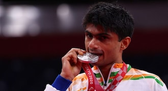 With Tokyo Paralympics silver, Noida DM Suhas Yathiraj smashes his way to IAS archives